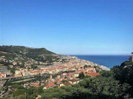 Ventimiglia Via Forte San Paolo Villa vista mare.